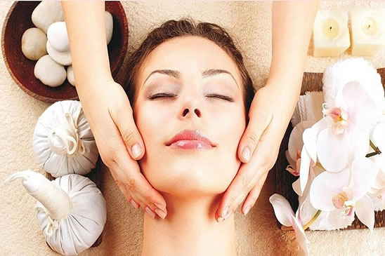 Relaxing Face Massage